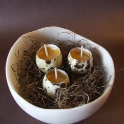 Check out these adorable Quail Egg Candles in JaneBox's etsy store! A very original decently priced gift if I do say so myself.