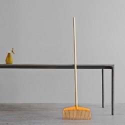 Italian designers Luca Pevere and Paolo Lucidi are likewise mixing the industrial with the artisanal in their latest design endeavor Boiacca, a long, slender table shaped from fluid cement