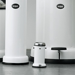 Miniature Vipp Trashcan - a tiny, functional, iconic trashcan that's only 10.4cm tall!