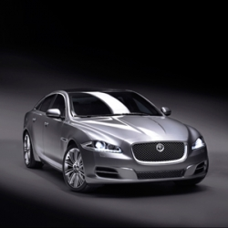 Discover the new Jaguar XJ described by the Jaguar engineering team !