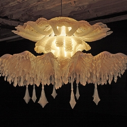 Timothy Horn creates incredible jellyfish inspired luminous art. Well worth seeing and coveting!