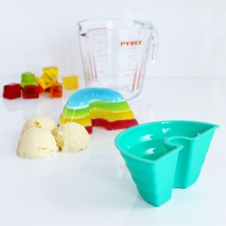 Rainbow Jelly Mould - use this jelly mould and 4 different colors of jelly to make a colorful rainbow shaped dessert.