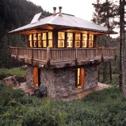Judith Mountain Cabin in Alpine Gulch, Montana, by Prairie Wind Architecture. This is the sweetest little two-story cabin I've ever seen - looks like a tiny little watchtower...
