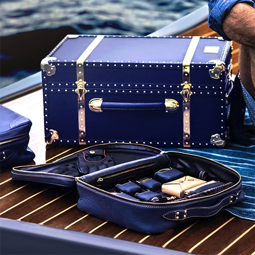 Kapitano Nautical Collection focuses on the romance of Italian island life with nuances of classic yacht design.  They also offer a bespoke service to customize their luggage in a variety of leather colors, interior linings and metal finishings.