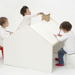 Deskhouse for your children.