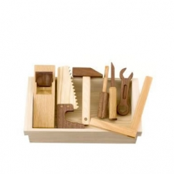 Here is a quality and natural wooden toy tool set from Northern Japan. Made of natural wood and coated with natural oil.