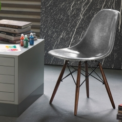 Modernica and Krink team up to bring a new color with a unique shimmer to a California design icon. Understated and neutral at first-glance, a closer look reveals the Krink Fiberglass Side-Shell shines in classic Krink silver.