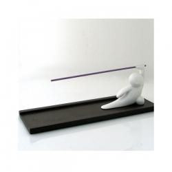 Super cute kung fu incense holder!  Kinda modern, kinda old-school, totally stylish!