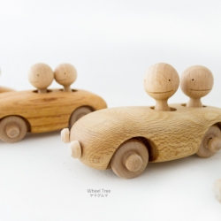 Kuruma is a handmade wooden toy full of personality made in Yakushima, Japan.