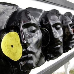 Warped vinyl records by L017 (Angelo Bramanti and Giuseppe Siracusa).
