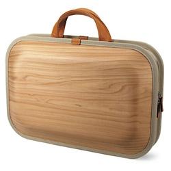 Takumi Shimamura's wooden briefcase, Bag-Kaku, made in Japanese cedar. Wonderfull craftsmanship.