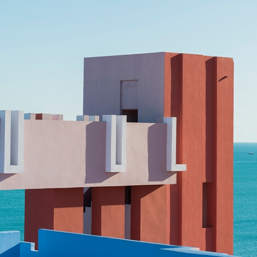 Photographer Andrés Gallardo Albajar beautifully captures La Muralla Roja by Ricardo Bofill.