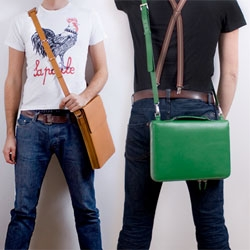 Threads ~ A danish company creating beautiful laptop cases ~ the green journalcase is by far our favorite!