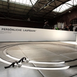 LAUFBAHN will let you ski in circles forever!