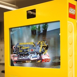 Lego Digital Box! Augmented reality at its finest? Metaio does it again with these new POS displays where kids (and adults!) can put special smart boxes in front of the display and see the 3D model on the screen!