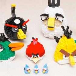 LEGO Angry Birds by Tsang Yiu Keung.