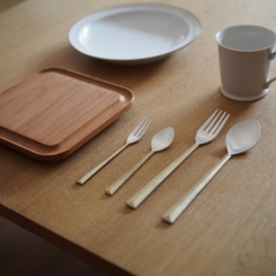 Issho, which means 'doing something together' in Japanese, is a minimalist design collection by Japan-based designer Masanori Oji.