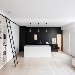 Kabinett is a minimalist house located in Paris, France, designed by septembre.