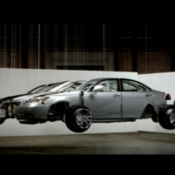 New spot for Lexus ES from Team One featuring the sculptural exhibition  in individually hanging the vehicle's thousands of pieces.