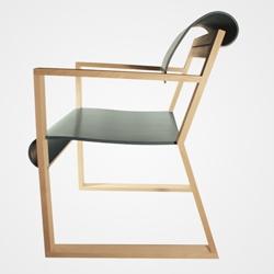Bitish based furniture maker/designer Liam Treanor creates beautifull curvature pieces, influenced by 1930's - 1970's modern design.