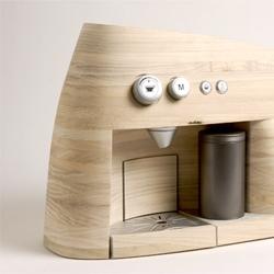 Linje Espressomaker by Oystein Helle Husby.