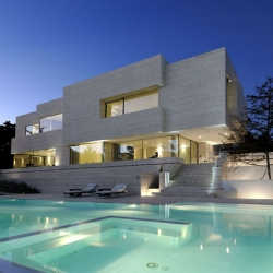 This Las Rozas Home by A-cero  Architects demonstrates the agency's uncanny ability to build amazing houses.
