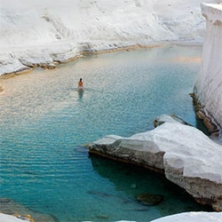 Photographer, Lou Mora's beautiful look into his trip to Greece...