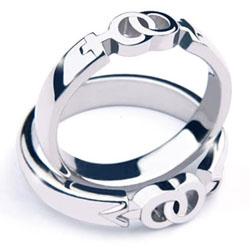 LOVE&LOVE from  Project Design Roma are gorgeous wedding rings, available in boy+boy or girl+girl version.