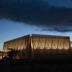 La Boiserie Mazan, designed to host 1000 people by studio De-So Architects.