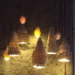 Lux Mineralis - A beautiful collection of original hand made porcelain luminaries by a french designer. Just have a look and you will be enlightened !
