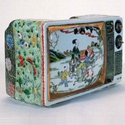 Ceramic TV created by Ma Jun