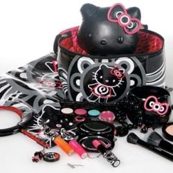 Hello Kitty for MAC cosmetics. Kawaii !