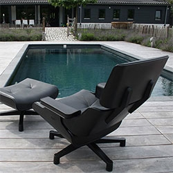 Mal 1956 Lounger ~ can you believe this molded plastic outdoor chair inspired by the Eames Lounger ~ is actually comfier in person than i expected!