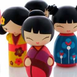 Spread the love with momiji dolls. So Kawaii!