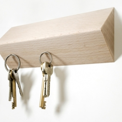 Matarile by Tomàs Bedós is another magnetic board for your keys but this time it's three dimensional.