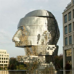 Metalmorphosis, a 14-ton moving, mirrored fountain/sculpture in Charlotte, North Carolina by David Černý.
