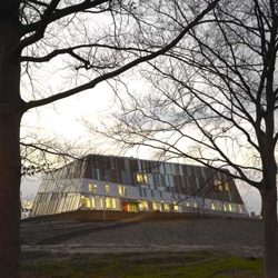 This building, located in Doetinchem, Netherlands, houses a school for vocational education as well as public sport facilities. Made by Erick Van Egeraat