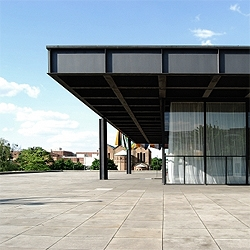 Great pictures of the Neue National Gallery by Mies van der Rohe in Berlin. Photos by Guillermo Hevia G.