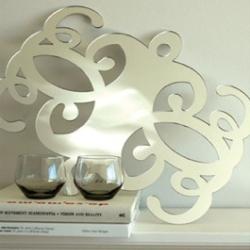 a mirror flourish centrepiece to make your home pretty