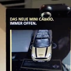 Here's a video of the making of and execution of that Mini Convertible 09 Magazine ad ~ over at the Augmented Reality Blog i just found