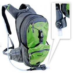 O2 Cool launches the Mist N Sip 3L Hydration Backpack ~ built in to the sippable nozzle of the hydration pack is a mister!