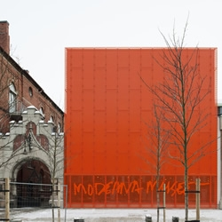 The recently opened Moderna Museet Malmö is both challenging and beautiful, thanks to it's jaw-dropping, eye-popping, façade clad in shocking, perforated orange metal. From Stockholm studio Tham & Videgård Arkitekter,