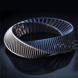 A new never-ending Mobius bracelet from the 3d collection by Miette.