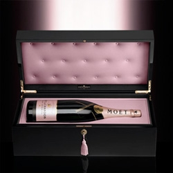 Gorgeous! Moët Rosé Indulgence Coffret ~ holds your Moët Rosé in a glossy black box that is under lock and key!