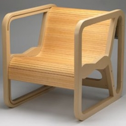Mogga was designed for small spaces. Imaginary scenario was created by the designer where people would need a chair that could be turned into a table without many problems.
