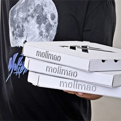 Pizza box packaging fun for Milmao tshirts.