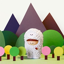 Celebrating 10 years of her iconic Treeson character, Bubi Au Yeung has joined forces with UK company Momiji to release a 500 piece limited edition TREESON MOMIJI.