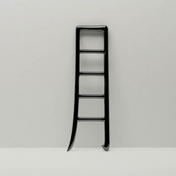 The Moon Reach is a beautiful ladder uses the charactor of chinese calligraphy 「月」as a concept.