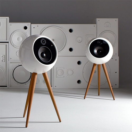 Moonraker: Bossa launches a wireless, retro-futuristic sound system