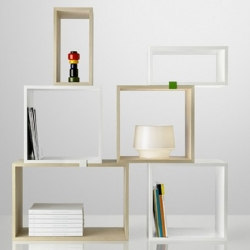 Great shelf called 'Stacked' has a nice freestyle design. by Muuto.